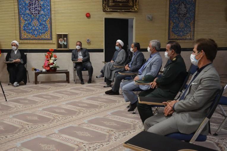 دیدار مدیرکل آموزش و پرورش استان با امام جمعه ایلام